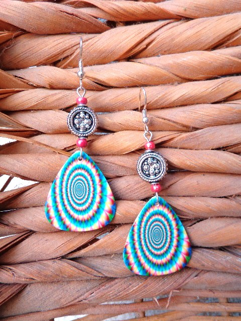 spirogyra-earrings-tie-dye-earrings