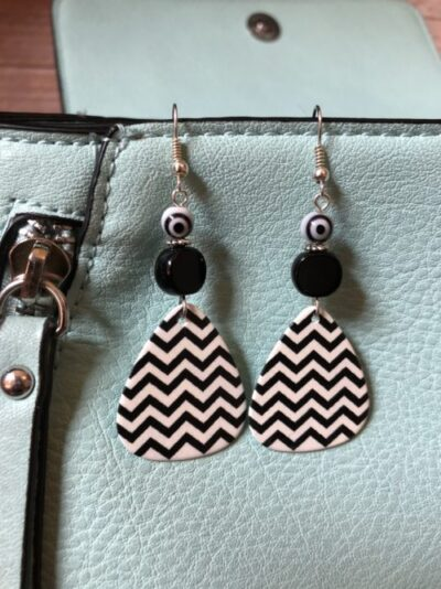 Black-white-chevron-guitar-pick-earrings