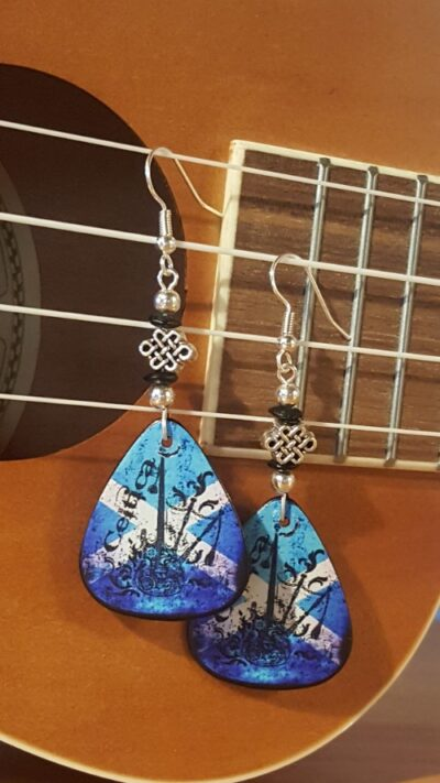 celtica-guitar-pick-earrings